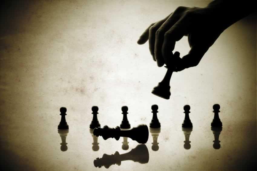 تقویت نگاه سلبی به روحانی استراتژی انتخاباتی دلواپسان/ صدا و سیما در نقش یار کمکی